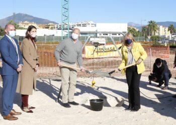 Imbroda pone la primera piedra del nuevo instituto de San Pedro